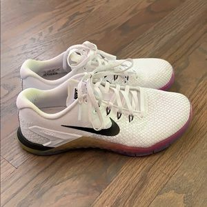 NIKE METCONS - WORN ONLY A FEW TIMES!